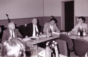 1992: Jugendpressekonferenz mit Wirtschaftsminister Horst Rehberger, Ministerpräsident Werner Münch, FJP-Landesvorsitzendem Matthias Fricke und Vorstandsmitglied Christian Hausmann (v.l.n.r.)