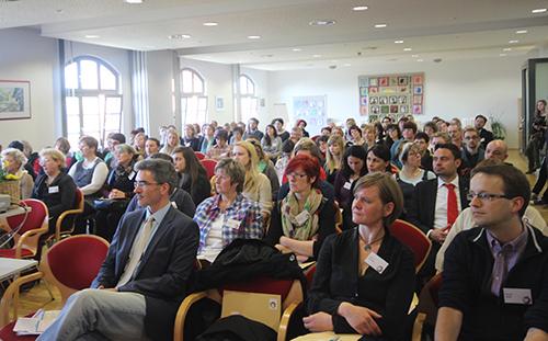 über hundert Teilnehmer Tauschten sich auf der Fachtagung aus und debattierten über die Zukunft des Freiwilligendienstes